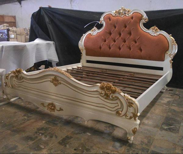 Traditional Bedroom Set Carving