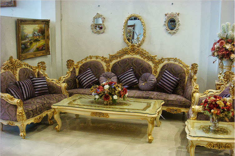 Queen Sofa Set